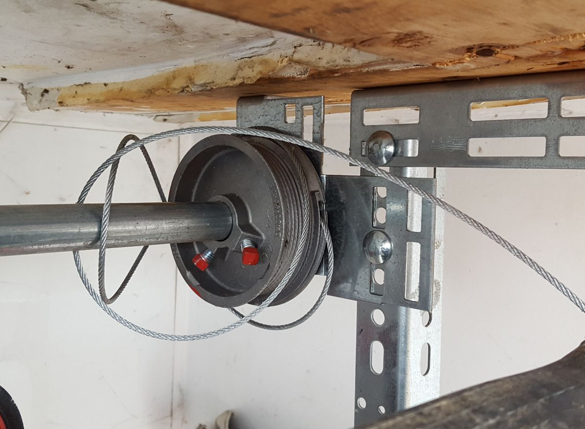garage door cable replacement services - Pro Entry