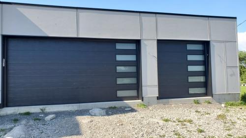Modern-concemporary-garage-door-installation-in-Oakville-Pro-Entry-Services