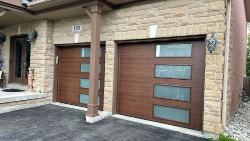 New-modern-garage-door-installation-for-home-in-Toronto-Pro-Entry-Services