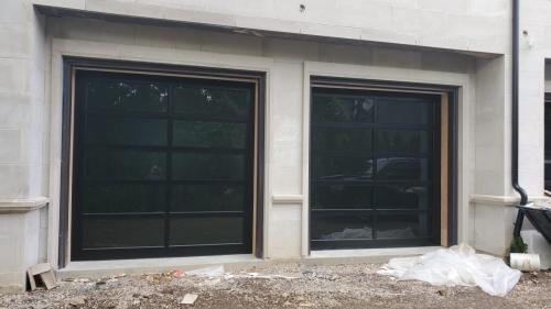 glass-garage-door-installation2